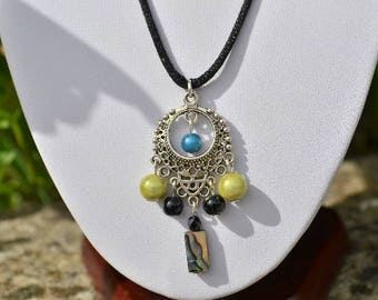 Pendant black / lime green mother of Pearl and beads