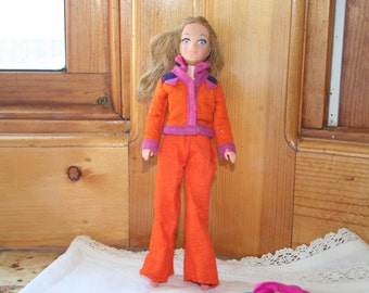 1971 World of Love doll, case and 3+ outfits/Hasbro's World of Love doll