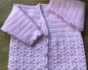 Printed Baby Crochet Pattern For V Neck Cardigan (Made in one piece to armholes). DK. Sizes: Birth to 6 years (1014)