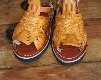 Huaraches for children. Small numbering. Mexican sandal, infant, leather fabric. For baby
