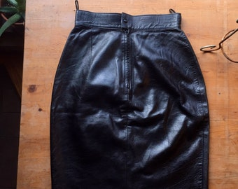 "High waisted 26"" black Italian leather witch skirt//vintage 80s glam"