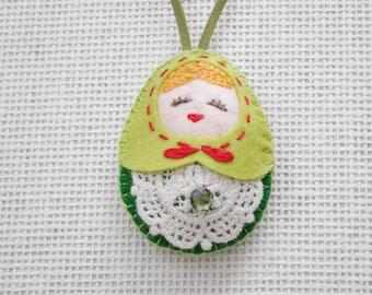 Felt Christmas Russian Doll (Medium Size), Felt doll, Felt Matryoshka, Felt Ornament, Felt Keychain, Christmas Decoration, Christmas Gift