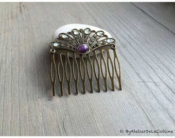 Fan comb with amethyst cabochon and white Opal Swarovski