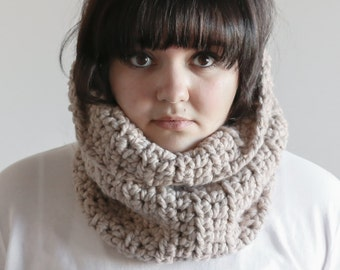 Chunky Cowl Scarf Thermal Warmer | THE CORK in Linen