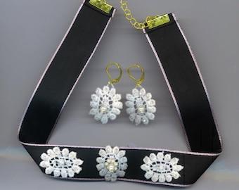 White lace Choker& Earrings Set . Choker Necklace . Lace Earrings . Floral Pearl Set . White Lace Earrings with Pearls . Black Silk Choker
