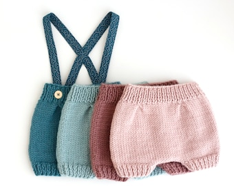 WOOL HANDKNITTED BLOOMERS, for babies.