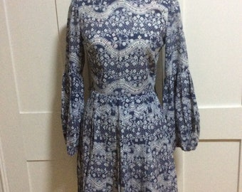 1970's Vintage Navy and White Floral Dress