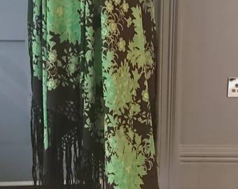 Vibrant 1920s Emerald Green Floral Print Silk Piano Shawl - True Vintage