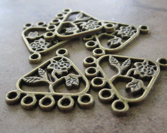 20 Antiqued Brass Pewter Drops, 18x15x15mm Triangle with Flower, 5 loops - JD24