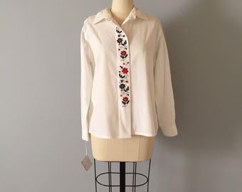 FLORAL EMBROIDERY cotton shirt | crisp cotton porcelain white blouse