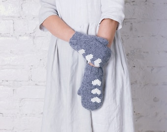 Grey wool mittens Hearts mittens Valentine day gift Hand knitted mittens Natural wool gloves Womens gloves Merino wool mittens Warm mittens