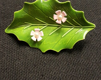 Vintage Brooch Green Enamel Leaf Metal pink flowers with Faux pearls