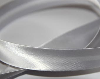 FABRIC 100% POLYESTER SATIN PALE SILVER 18MM