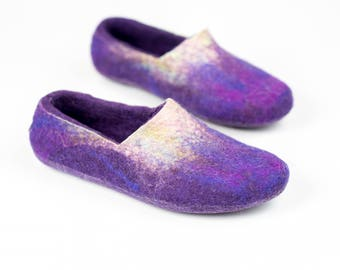 Ultra violet felted wool slippers for women, Warm woolen home shoes, Women slippers, Hygge gift, Housewarming gift, Christmas gift