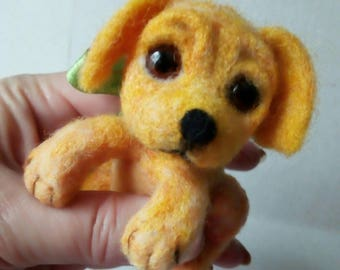 Dog replica Retriever gifts Yellow lab Needle felted dog Wool animal toy Waldorf animal Eco felt gift Natural organic toys Miniature felt