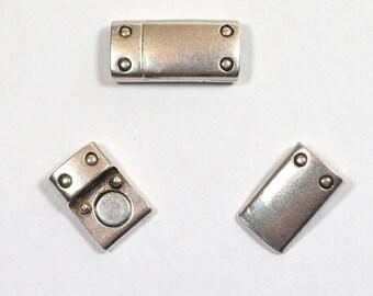 8mm Rivet Detail Clasps - Antique Silver -CL84