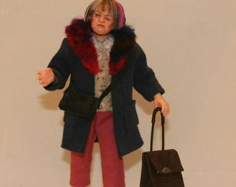Dollhouse 1:12 OOAK poseable doll in inch scale, hand sculpted