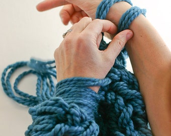 Arm Knitting How-To PDF: A Step-By-Step Photo Tutorial