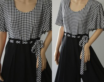 SALE -Cute 80's Black & White Plaid Jumpsuit