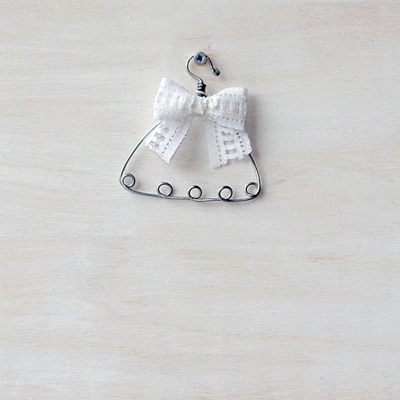 Doll wire hanger with bow Dolls jewelry organizer MH Blythe