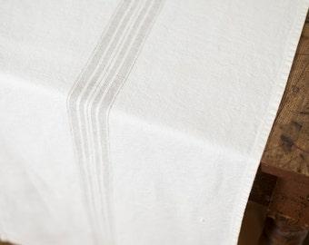 Runner Stonewashed White with Beige Stripes