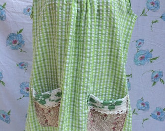 Vintage fabric artist apron top smock tunic with patch pockets