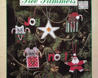 Tree Trimmers Plastic Canvas Pattern Book, Christmas Decor, Tree Ornaments, Star, Santa, Quilt Ornament, Toy Soldier, Cat/Mouse/Bear In Bag