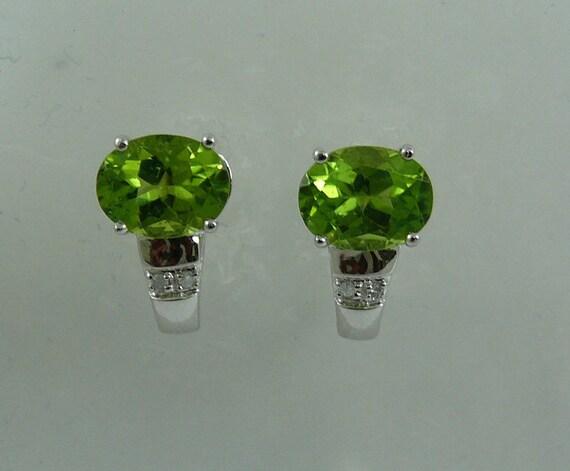 Peridot Earring 14k White Gold and Diamonds 0.03ct