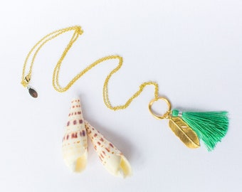 Tassel Necklace, Green Silk Tassel and Gold Feather Pendant Necklace, Feather Charm, Gold Necklace, Pendant Necklace, Boho Necklace