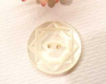 """Vintage Button, STAR, Mother of Pearl, Shell 13/16"""", ANIMAL CHARITY Donation"""