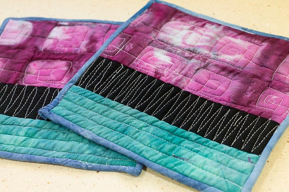 Set of Quilted Potholders / Modern Shibori Potholders / Cooks Gift