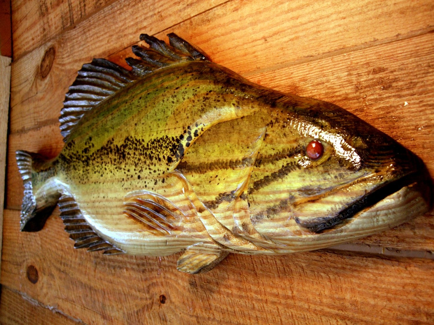 Large Mouth Bass 34 chainsaw wood carving sport fishing