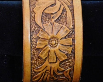 Hand tooled and carved bracelet-- Sheridan style leather cuff