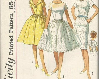 1960s Sheath or Bouffant Skirt Dress Kimono Sleeves Back V Neckline Simplicity 4972 Uncut FF Size 16 Bust 36 Women's Vintage Sewing Pattern