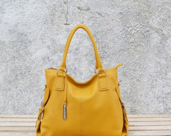 Alesandra Deer grain leather bag, mustard