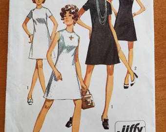 Vintage 8682 Simplicity Sewing Pattern 1970 Colarless Dress High Round Neckline, Jiffy Pattern