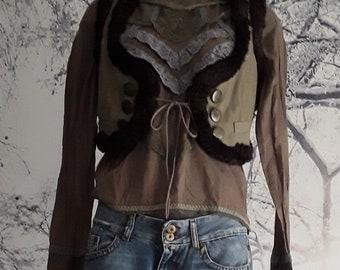 Shirt with lace plus short vest