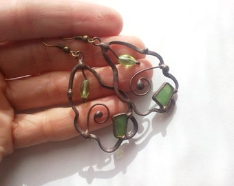 Wire earrings, gift for women, stained glass, copper wire jewelry, green, contemporary jewelry, glass beaded earrings,  artistic jewelry