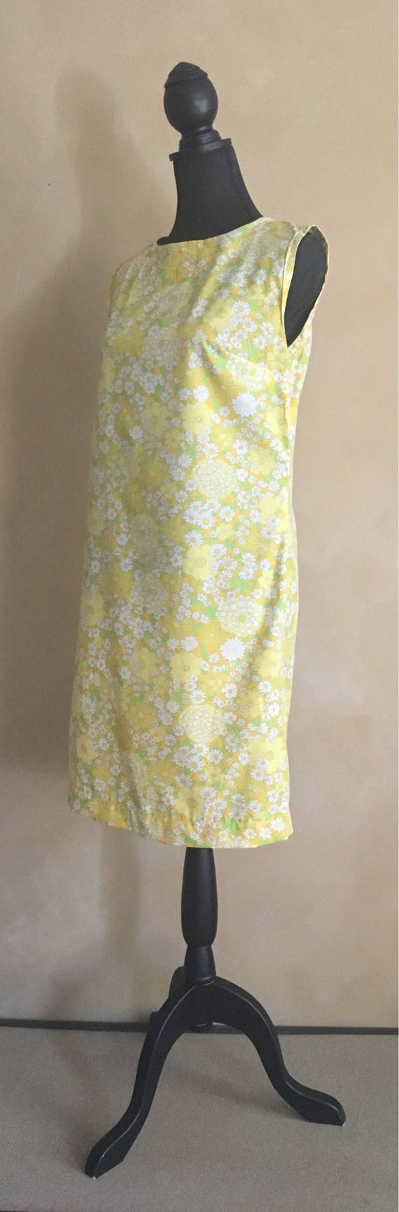 Vintage 60's Yellow Flower Print Shift Dress