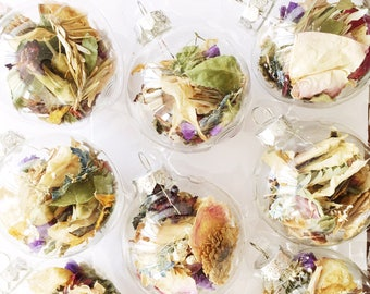 14 Xmas Ornaments   Dried Florals   Clear   Christmas Tree Decorations   Dried Flowers