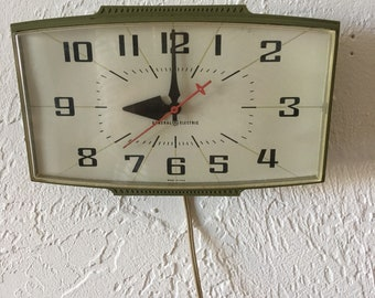 Vintage 1950s Olive Green General Electric Wall Clock