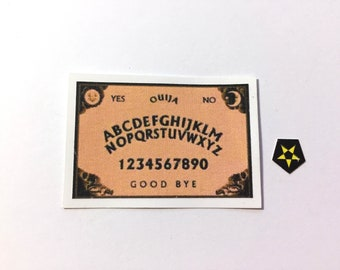 Toy Miniature Game Ouija Board Puck Games Dollhouse Miniatures 1:12 Scale Diorama Shadow Box Supply - 306