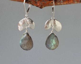 Labradorite Earring in Silver, Gemstone Dangle Earrings, Nature Inspired Earrings, Natural Stone Earrings, Hand Made Earrings for Her