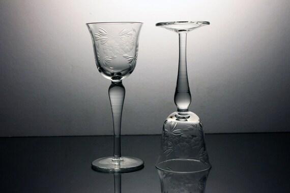 Etched Cordial Glasses, Dessert Wine Glasses, Cocktail Glasses, Liqueur Glasses, Set of 2, Barware, Floral