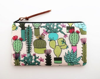 Cactus zipper pouch - green succulent pencil bag - cute pencil cases - gift ideas for friends - cactus fabric purse - small cosmetic bags