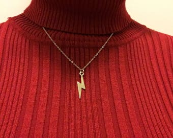 Silver Lightening Bolt Pendent Necklace