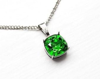 Kelly Green Swarovski Crystal Pendant Necklace, Fern Green Crystal Bridesmaid Necklace, Green Bridal Jewelry