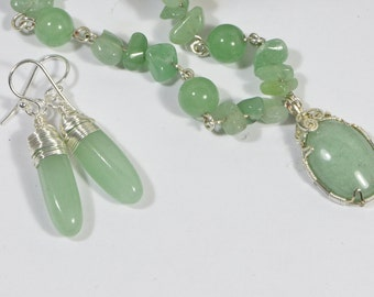Green Aventurine Necklace set. Wire Wrapped Pendant. Natural Gemstone Necklace