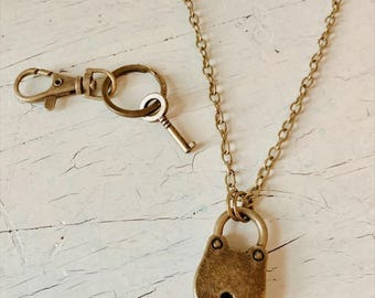 Husband Valentine day Gift , Couples Valentine day gift - Vintage lock necklace and Key