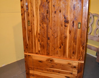 High Quality Large Antique Vintage Solid Red Cedar Bedroom Armoire Wardrobe Closet